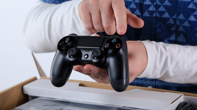 Déballage PS4 debug (ya ya)